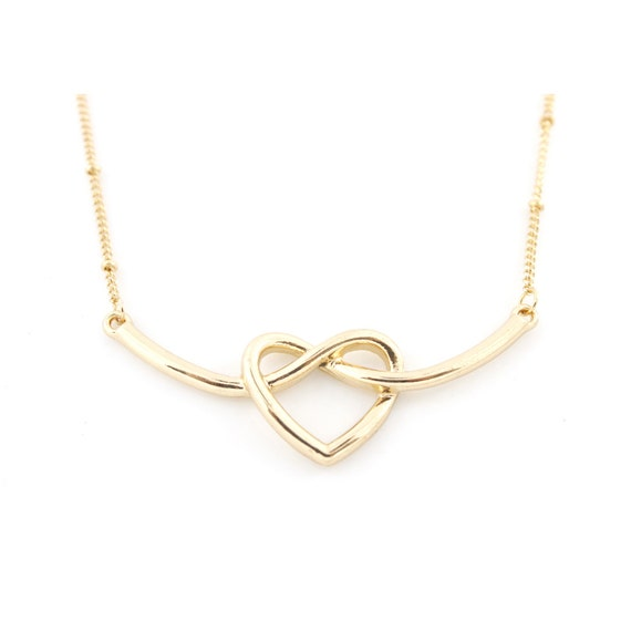 Sweet Gold tone Infinity Love Pendant Short Chain Necklace