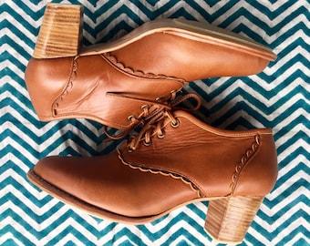 SALE. Sz. 10. LACE. Leather oxford shoes / leather booties / oxford booties / oxford heel / lace up booties / leather oxfords / oxford heels