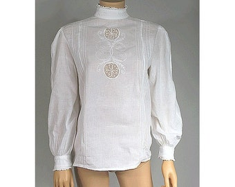 70s white cotton embroidered blouse medium