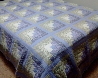 Beautiful Log Cabin VINTAGE QUILT