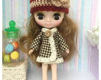 """Petite Blythe / Little Dal Outfit : """"Winter & Brown Set"""" (Coat and Crochet hat)"""