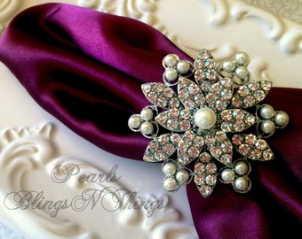 SALE Ex-large Custom Pearl Crystal Rhinestone Silver Brooch Napkin Rings Holders Wedding Table Decorations Bridal Brooches