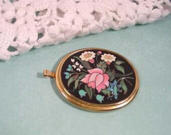 Avon  Florentine Flowers Mosaic Pendant Gold Tone with Black - Vintage 1974