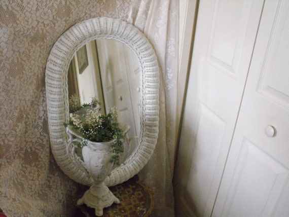 Vintage white wicker large mirror 20 x 30 shabby chic for Mirror 20 x 30