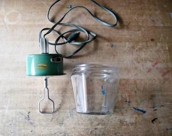 Antique Egg Beater, Kwik Way Mixer Jar, Antique Mixer, Kitchenware, Hand Held Mixer, Electric Beater, Vintage Kitchen, Antique Kitchen