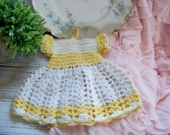 Vintage Crocheted Dress Linen, Vintage Hot Pad, Vintage Linen, Antique Linen, Antique Yellow Crochet Dress, Crocheted Dress, Shabby Style