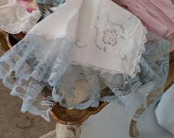 Romantic Lace Trimmed Napkins