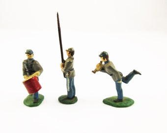 Civil War Lead Soldiers - Militaria - Hand-painted Lead Soldiers, Drummer, Bugler, Sharpshooters, Two Flags, Etc. - The Blue and The Grey