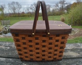 Pie carrier tote basket picnic basket handles Cherry wood