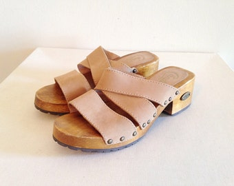Vintage Wood Platform Strappy Sandals by Candies 1990s Size 6 1/2
