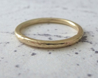 9ct Gold Wedding Band - 2mm - 9ct Yellow Gold - Hammered or Smooth - Wedding Band - 9ct Gold Wedding Ring