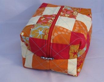 Zipped boxy pouch