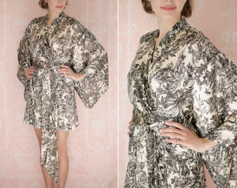 "Marseille. One custom ""Noguchi"" kimono robe in the softest satin or faux silk. Bohemian robe Long womens kimono robe with pockets."