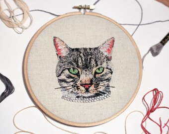 Custom Pet Portrait // Embroidered Pet Portrait // Hand Embroidery // Illustration