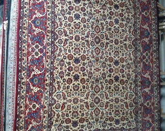 1960s Vintage Hand-Knotted Isfahan-Najafabad Persian Rug (3478)