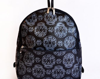 BACKPACK // Black and grey with mexican skulls