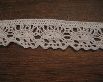 Vintage 20 metres white cotton lace. Sewing, crafts.