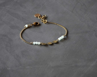 The Discrete sequins bronze necklace with agate bracelet