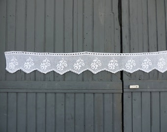 A beautiful, hand made, vintage french, fillet lace, chimney valence panel with a floral motif