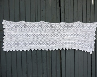 A beautiful, hand made, vintage french, crochetted lace, cafe curtain panel with a geometric motif