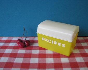 Lustro Ware Recipe Box - Hard Plastic - Typography - Mid Century Vintage 1960's