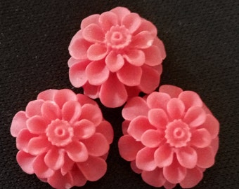 12pcs  of resin chrysanthemum cabochon 18x8mm-Rc0020  red