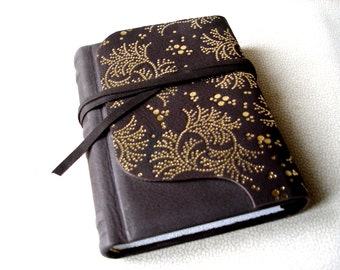 Womens' Gift, Gift for Her, Birthday Gift, Brown Mat Leather Journal, Gold Hot Stamped Ornamentation, Hard Cover Journal, Personalized Book