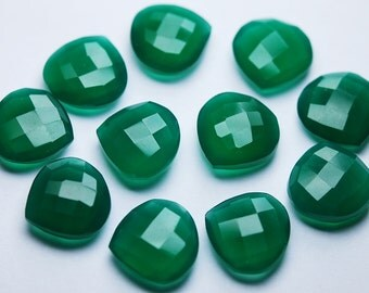 3 Matched Pair,Undrilled GREEN ONYX Faceted Heart Shape,14mm