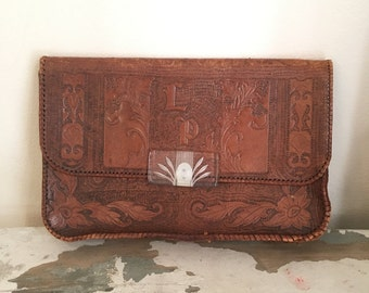 Vintage 1940s Huge Leather Purse Brown Tooled Oversized Leather Carved Lucite Clasp Statement Piece Envelope Laptop Clutch Handbag Bag