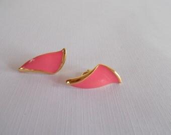 Vintage Pink And Gold Tone Metal Enamel Clip Earrings