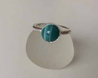 Handmade Sterling silver and green stripe agate stacker ring - size UK J US 5