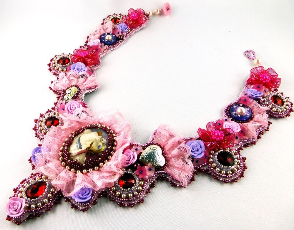 Collier necklace bead embroidery lace floral sailor moon