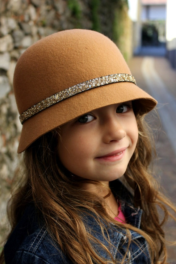 Shop girls' winter hats for sale from DICK'S Sporting Goods. Find girls' winter hats and beanies from The North Face, Burton & more top-rated brands.