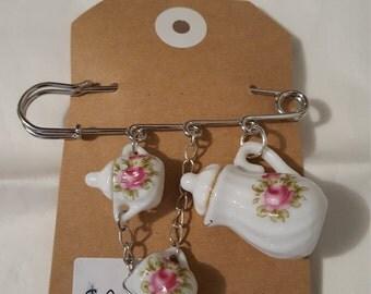 Tea set Brooch pin