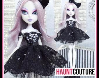 "Monster Doll Haunt Couture: ""Bella Donna"" high fashion dress clothes"