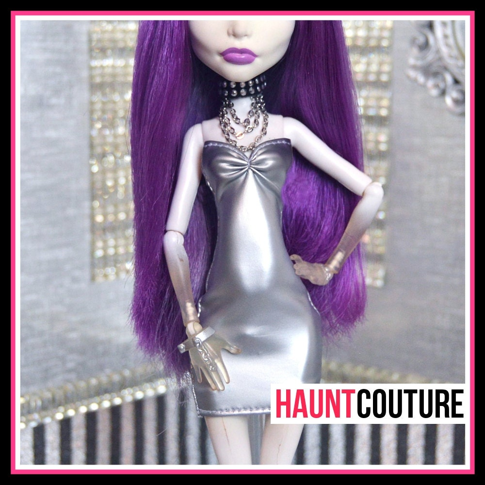 Monster doll haunt couture silver matte mini high fashion for Couture high fashion