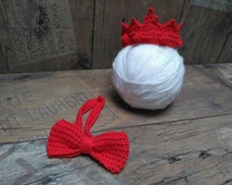 Baby red crown and bow tie, twins outfit, baby twins photo prop, newborn mini red crown and bow tie, baby shower gift, knit bowtie, RTS