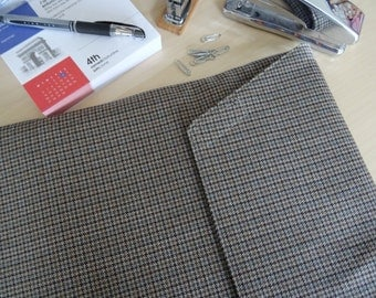 Laptop Sleeve in Dogtooth Check Wool