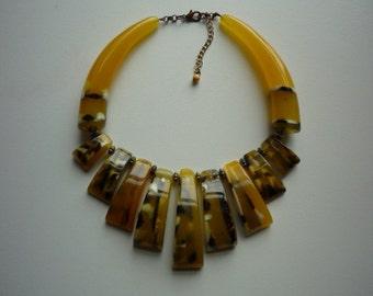 Stunning Vintage Yellow Brown Lucite Bib Statement Necklace