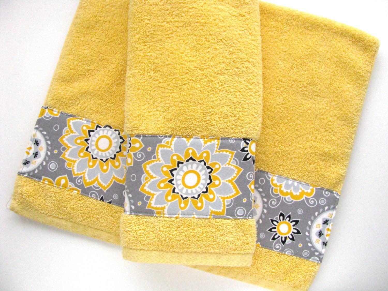 yellow grey gray bathroom towels hand towels towel yellow. Black Bedroom Furniture Sets. Home Design Ideas