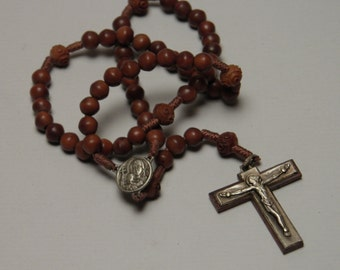 Vintage  rosary necklace pendant in wooden beads