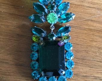 Large Gorgeous Antique Emerald Green Rhinestone Brooch, Badge, Pin