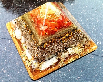 Powerful Orgone Pyramid (Large) - Attract Wealth - FREE WORLDWIDE SHIPPING!
