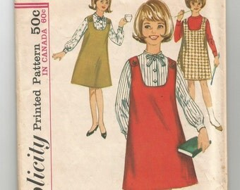5597 Simplicity Sewing Pattern Girls Jumper Dress & Blouse Size 8 26 Breast Vintage 1960s