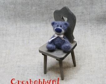 Needle felted bear. Dollhouse miniature.