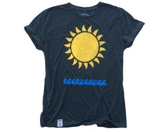 Sun & Waves: Tri-Blend Short Sleeve T-Shirt in Tri Black