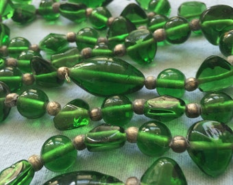 Mid-century Green Glass Bead Necklace