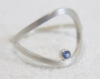 Silverlinings ring with lightblue Sapphire