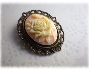 light pink Rose - bronze Cabochon brooch vintage style creamy