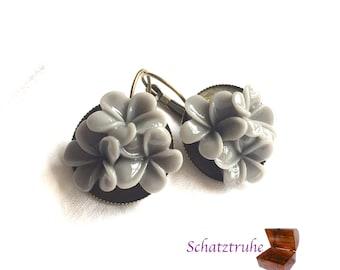 earrings 3 flower grey